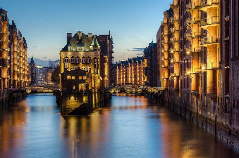 Wasserschloss Hamburg van Michael Valjak