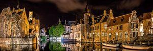 Brugge by night van Erwin van den Berg
