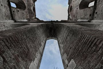 Ruine van Abbazia di San Galgano abdij, Siena, Toscane, Italie van Natasja Tollenaar