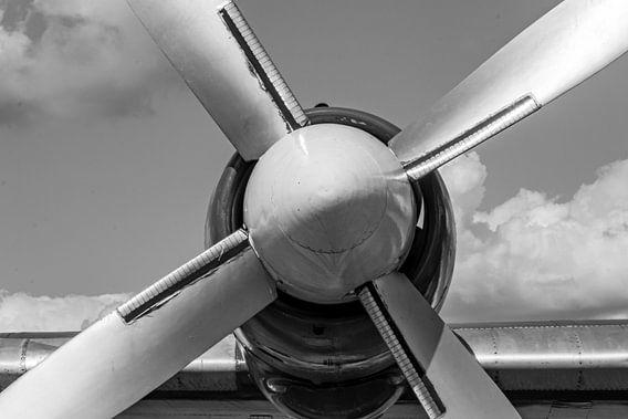Vliegtuig propeller zwart wit.