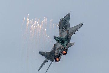 MIG29 Poolse luchtmacht met flares sur Joram Janssen