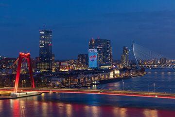 De Willemsbrug in Rotterdam als songfestival editie