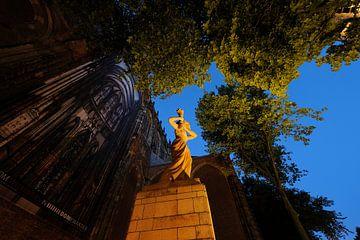 Verzetsmonument op het Domplein in Utrecht voor de Domkerk von Donker Utrecht