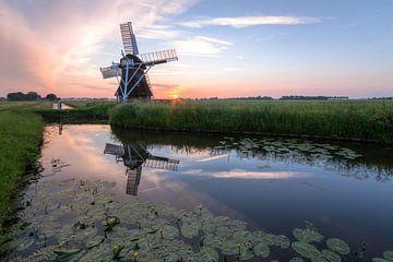 Windmühle 't Witte Lam bei Sonnenuntergang von Frenk Volt