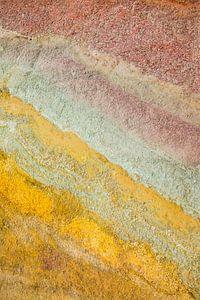 Gekleurd zand in Peru van Teuntje Fleur