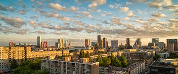 Skyline Rotterdam Zonsondergang von Mark De Rooij