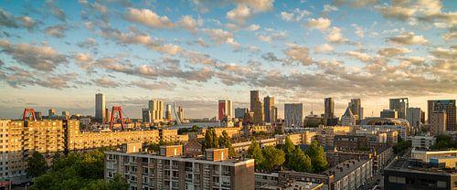 Skyline Rotterdam Zonsondergang van