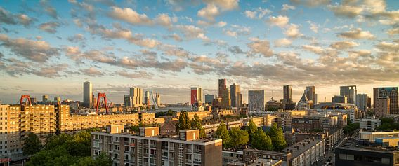Skyline Rotterdam Zonsondergang van Mark De Rooij