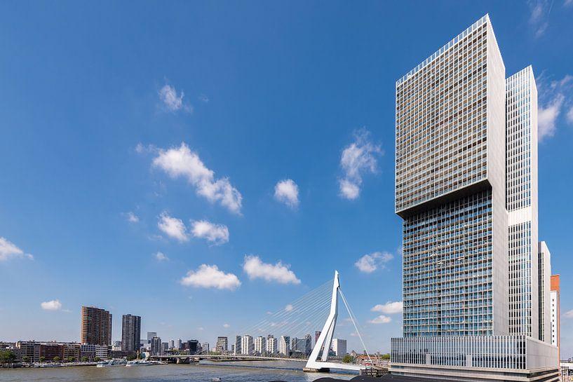 Die Rotterdam und die Erasmusbrücke (horizontal) von John Verbruggen