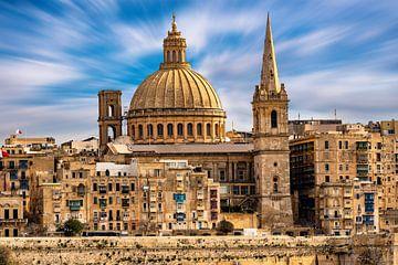 Architectuur skyline oude stad met kathedraal in Valletta op Malta van Dieter Walther