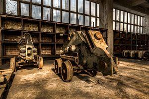 Vervallen oude machines van een verlaten kolenmijn in duitsland van