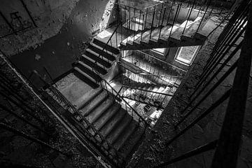 Treppenhaus in Pripjat von Han Hilderink