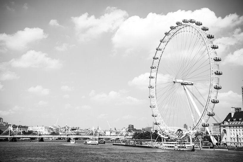 Londen Eye aan de Theems van Barbara Koppe