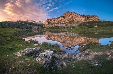 Asturien Picos de Europa Lagos de Covadonga von Jean Claude Castor