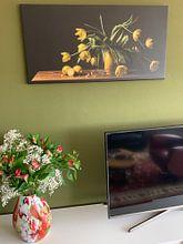 Klantfoto: Stilleven tulpen van Monique van Velzen, op canvas