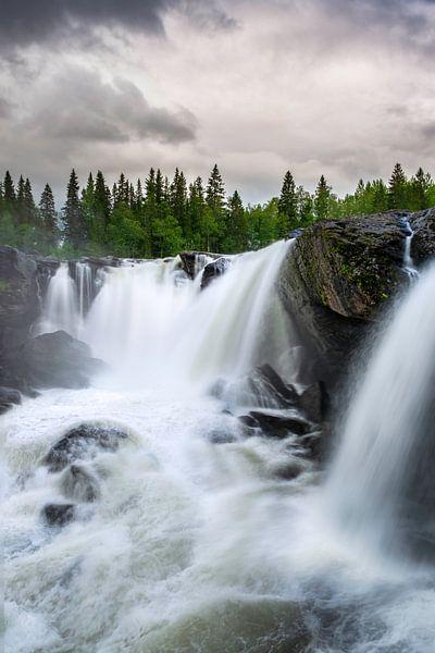 Ristafallet waterval Zweden van Arjen Roos
