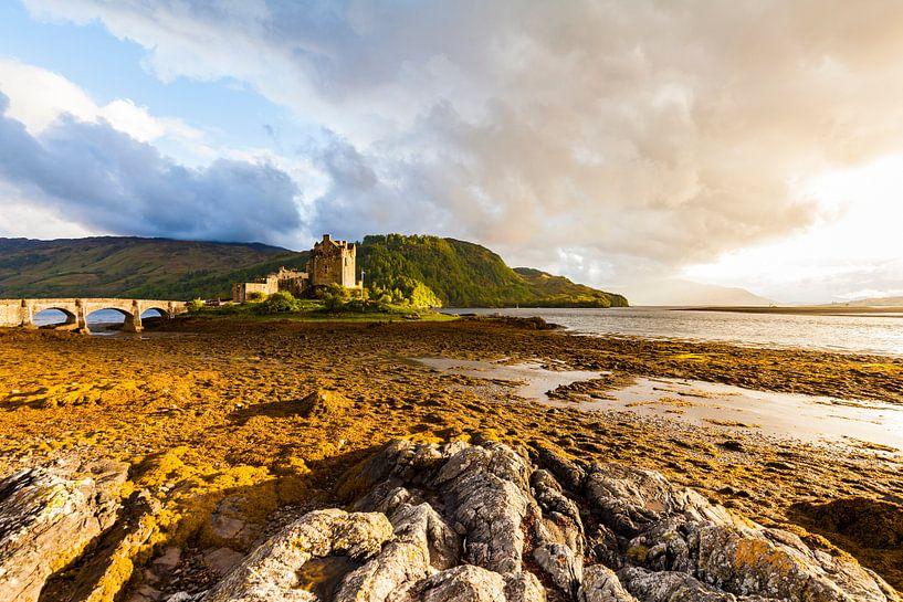Eilean Donan Castle in Schotland van Werner Dieterich