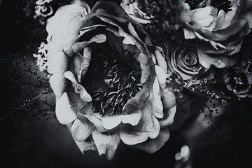 Blumenstrauß monochrom