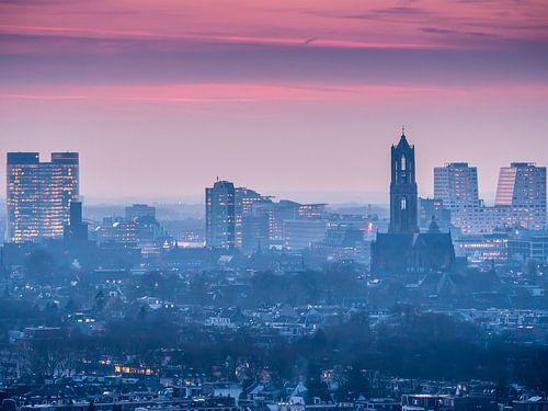 Zonsondergang Skyline Utrecht von Mart Gombert