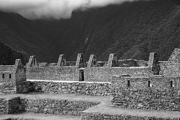 Macu Picchu in Schwarz und Weiß von Yvonne Smits