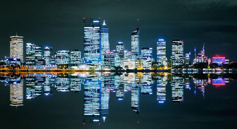 Perth Skyline van Guy Florack