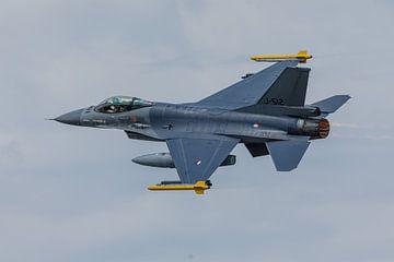 Een F-16 van de Koninklijke Luchtmacht met nabrander van Arjan van de Logt