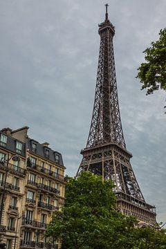 Melancholisch uitzicht op de Eiffeltoren van Stefan Verheij