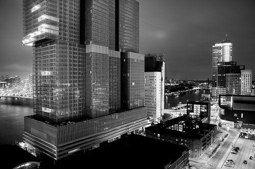 'De Rotterdam' by night von Pieter Wolthoorn