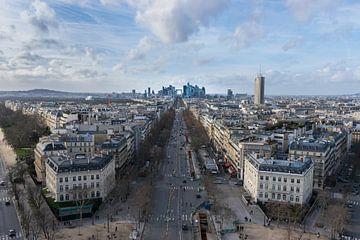 Parijs, zicht op La Défense vanaf Arc de Triomphe