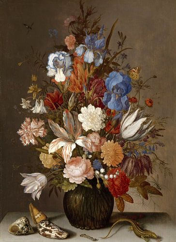 Stilleven met bloemen in een glazen vaas ,  Balthasar van der Ast van