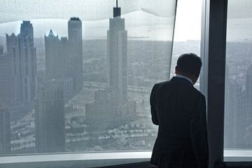 Glancing the city of Dubai von Henri Berlize