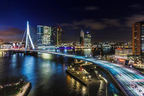 Skyline Rotterdam aan de Maas van