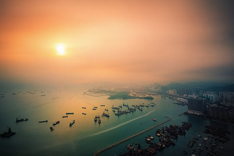 Sunset Symphony van Cho Tang