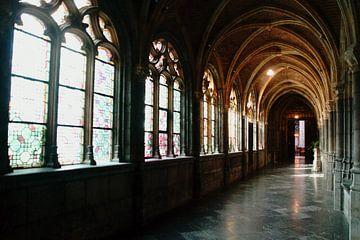 Klosterbögen und Fenster von wil spijker
