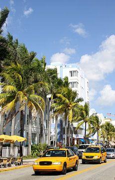 Gelbe Taxen auf Ocean Drive Miami van Christiane Schulze