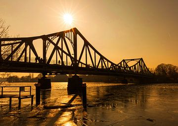 Glienicker Brücke im Sonnenuntergang