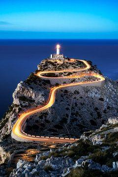 Far de Formentor Leuchtturm am Cap Formentor auf Mallorca abends nachts
