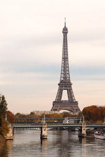 Eiffeltoren in Parijs, Frankrijk van Rob van der Teen