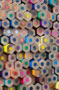 Houten gekleurde potloden als achtergrond foto