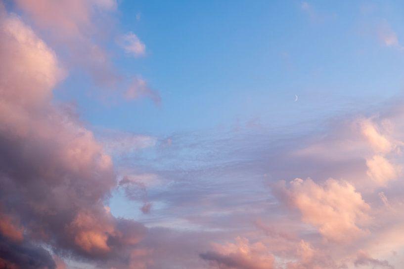 Wolkenlucht van Robert de Jong