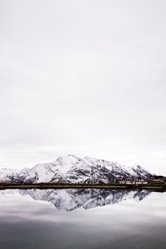 Berg in Spiegelung von Lisa Becker