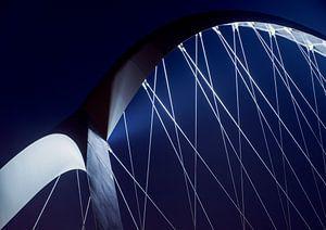 Crossing blue