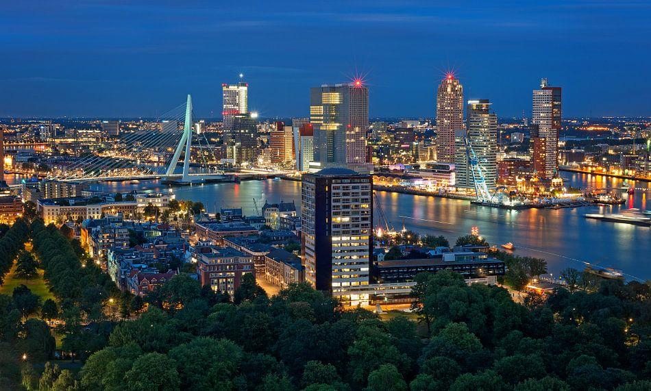 De skyline van Rotterdam vanaf de Euromast