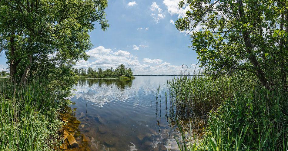 Wijde Blik, Panorama van een meer in Kortenhoef, Wijdemeren, Nederland