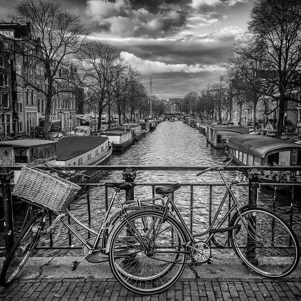 fietsen aan de gracht