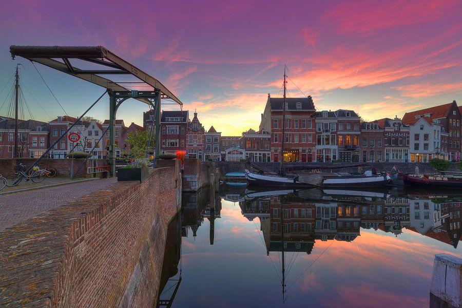 Zonsondergang in Delfshaven Rotterdam van Rob Kints
