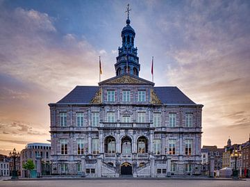 Markt  - Stadhuis - Maastricht in de ochtend II