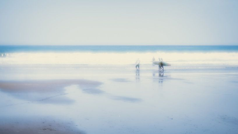 At the beach (3) van Rob van der Pijll