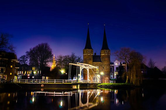 Delft | Oostpoort bij nacht van Ricardo Bouman | Fotografie