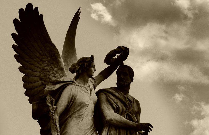 Engel en krans (Angel and Laurel Wreath) van Roelof Broekman